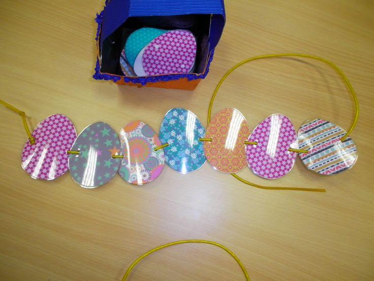 Ketting maken met eitjes gemaakt van motiefpapier *liestr*