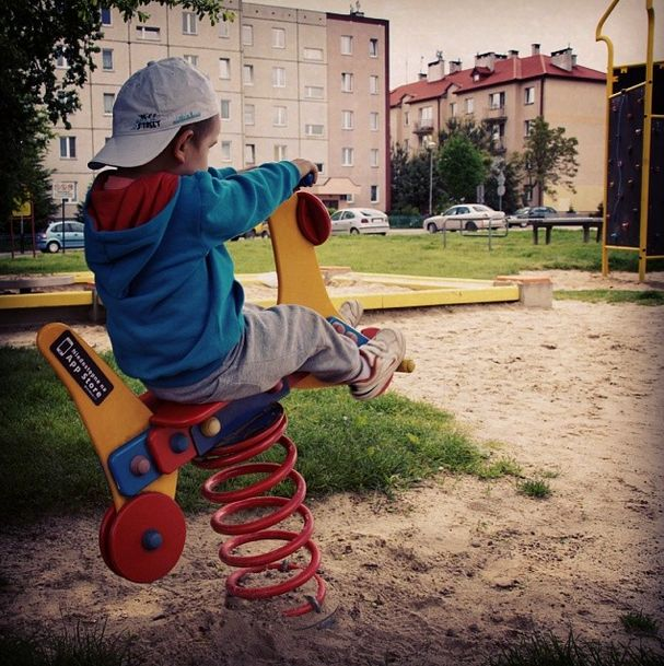 #notonappstore #nakawe #nakawenet #offline #playground #child #childhood #smile #happiness #together #little #brother #sohappy #mojemiasto #rzeszow  http://na-kawe.net