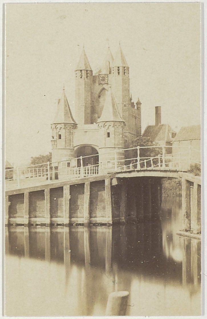 Amsterdamse Poort.                        Foto 1861- 1863                           Fotograaf: Pieter Oosterhuis