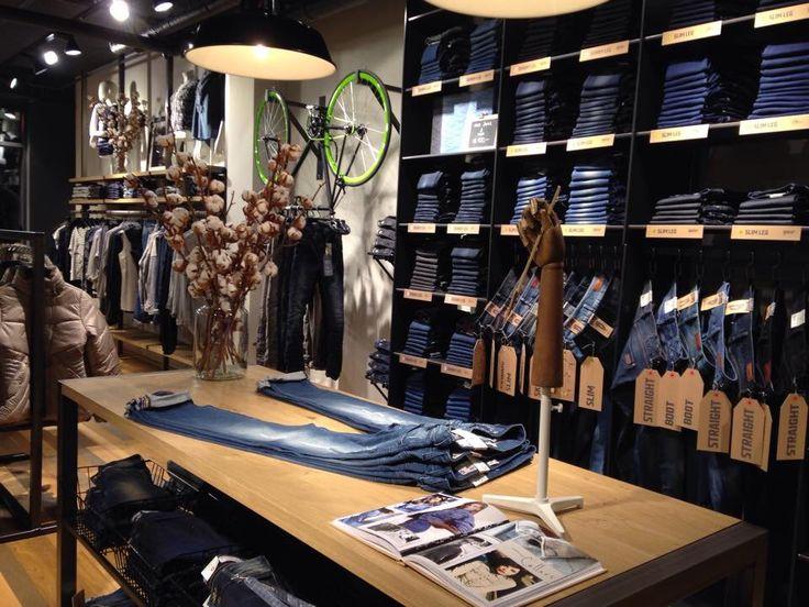 Store concept design jeans centre zoetermeer the for Home design zoetermeer