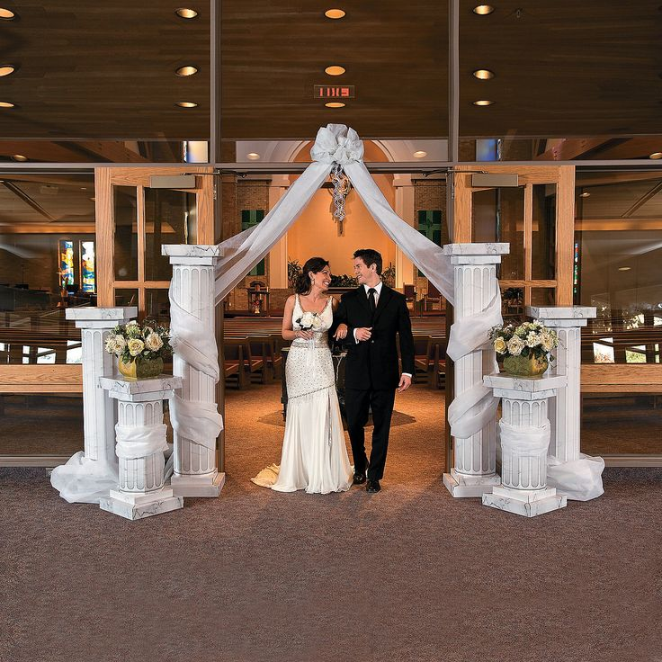 Wedding Columns & Gossamer Draping Get the look of your dreams without blowing your wedding budget! Add these columns to your wedding ceremony or reception for a stunning look guests will love.