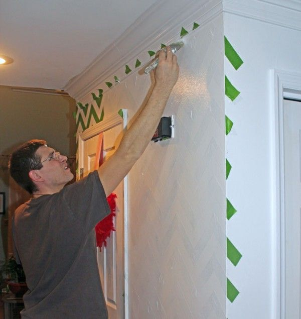 Chrvon stripe painting tutorial #Chevron #tutorial #wall (18)