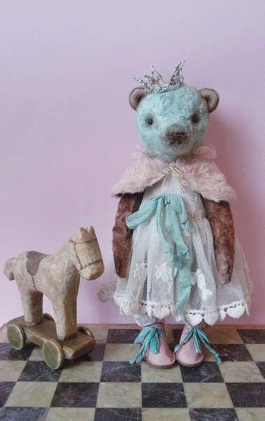 Princess By Katya Sergienko - Bear Pile