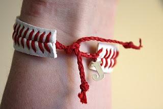 Baseball string bracelet....Baseball Bracelets, Softball Bracelets, Monograms Charms, Baseball Ideas, Baseball Time, Studios 13, Diy Projects, Baseball String, String Bracelets