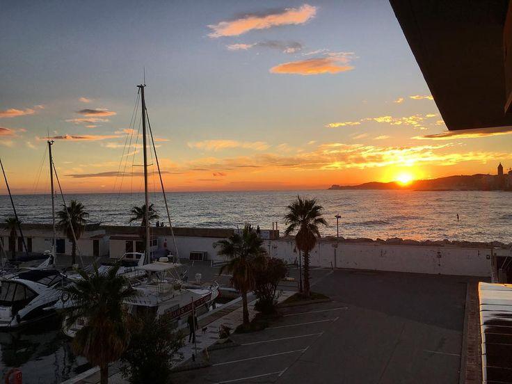 How was your #sunset tonight folks? Mine wasn't too shabby  #sun #sunporn #skyporn #weather #Spain #Espana #Catalonia #Barcelona #Sitges #IgersSitges #IgersCatalonia #travel #tourism #tourist #leisure #life #sea #mediterranean