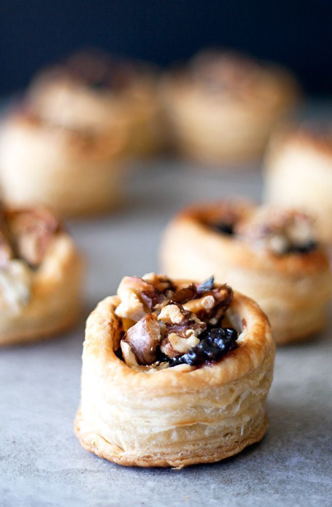 blue cheese, cranberry and walnut puff pastry bites | http://ahappyfooddance.com