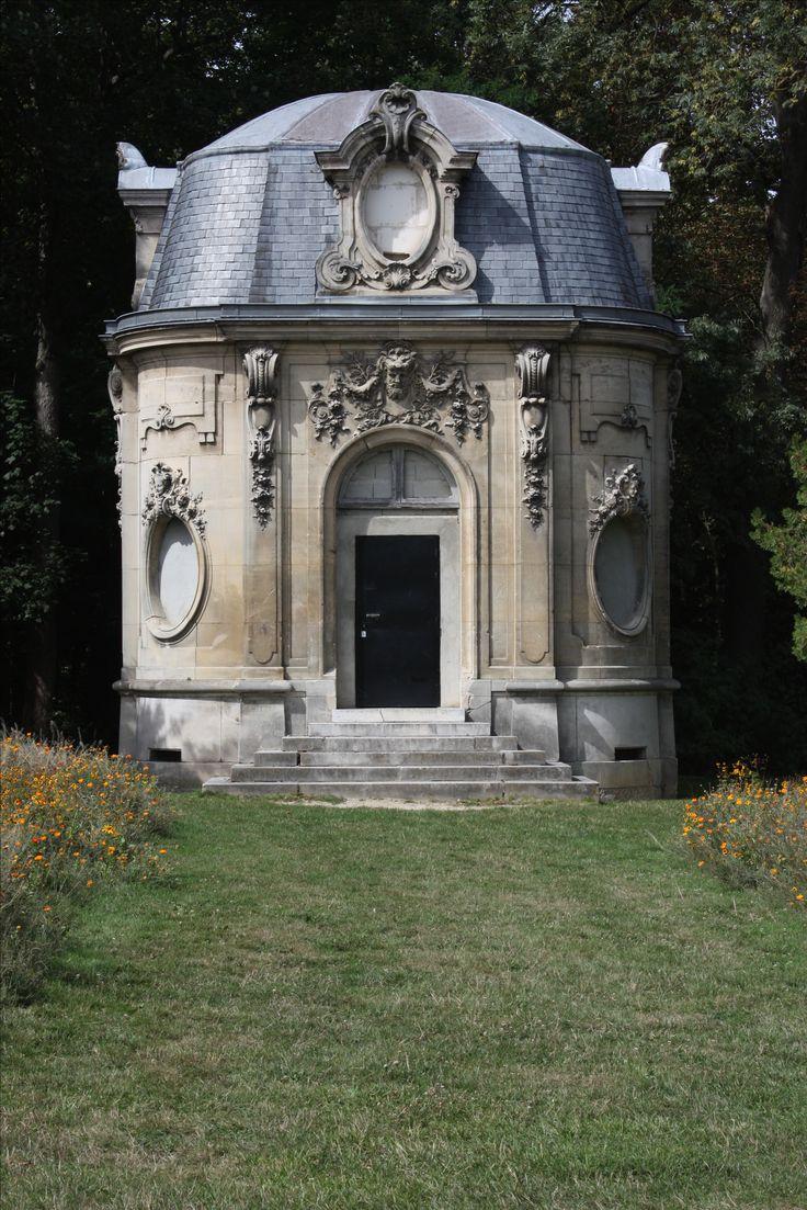 Le Château Champs sur Marne, Pavillion in the park grounds #Rococo