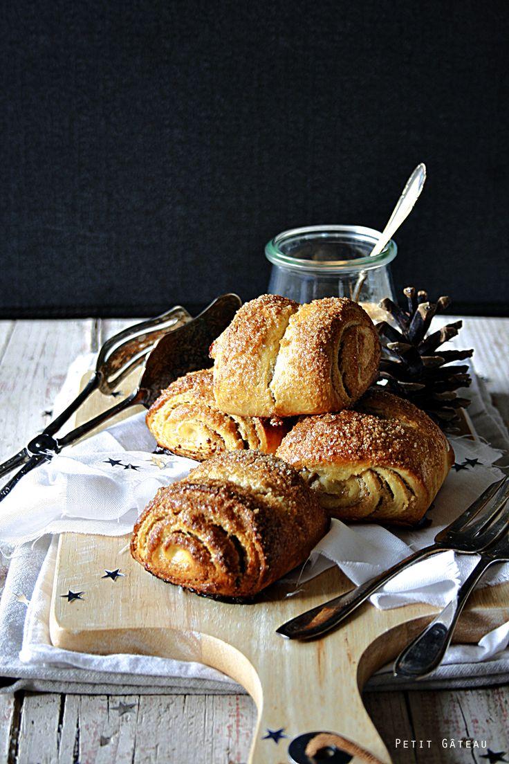 Franzbrötchen mit Marzipan-Zimt-Füllung {mein Gastbeitrag zum Blogevent der Foodistas zum 1. Bloggeburtstag}