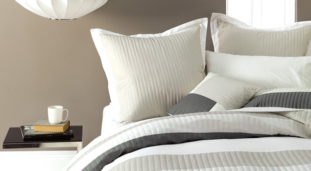 wall colour with white linen for master bedroom
