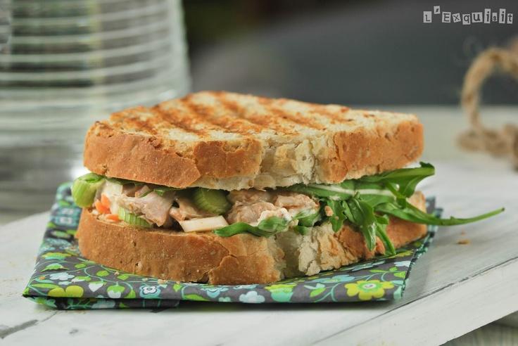Sandwich de pollo y vegetales - L'Exquisit