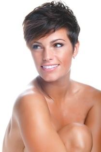 Amber Elizabeth Fitness Model Short Dark Hair 1 HAIR