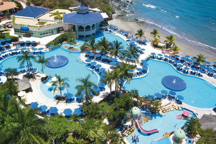 Azul Ixtapa Hotels | www.travelspalifestyle.com