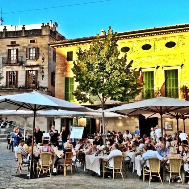 www.rentavillamallorca.com Pollensa main square #holidayrentalsmallorca, #holidayinmallorca
