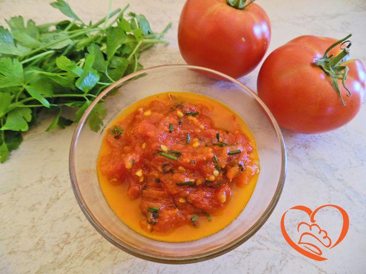 Sugo all'aglio http://www.cuocaperpassione.it/ricetta/1f381f4c-9f72-6375-b10c-ff0000780917/Sugo_allaglio