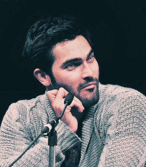 tyler hoechlin is gooooorgeous. Loved him form 7th Heaven :)