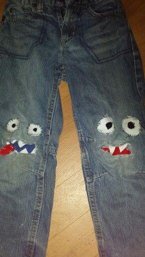 Hose von meinem Sohn: Die Löcher an den Knien wurden zu Monstern :P