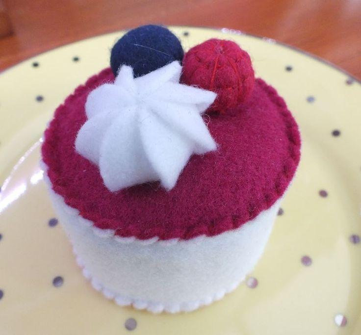 Berry cheese cake anyone?