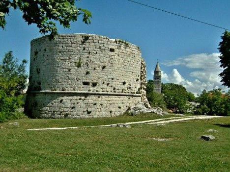 A defence tower, Gračišće, Istria