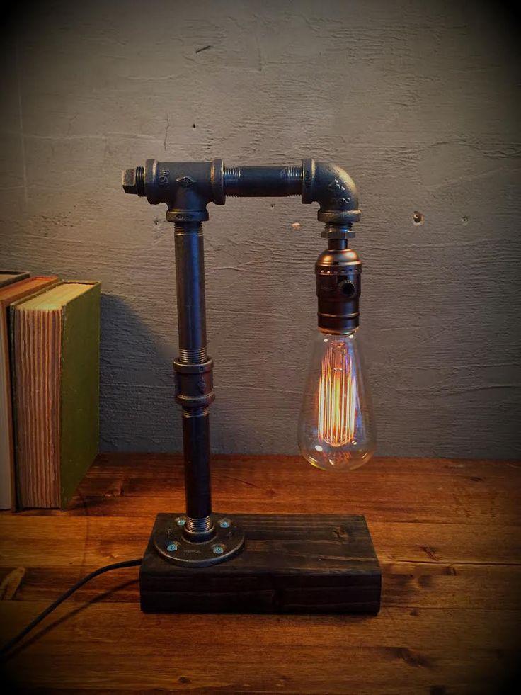 Luce di illuminazione - Steampunk lampada - lampada da tavolo - Illuminazione Edison luce - luce Vintage - tubo lampada - la lampada da comodino - rustico - Loft industriale    > veloce spedizione! QUESTO ARTICOLO VIENE SPEDITO ENTRO 1-2 GIORNI * * *    Lampada da tavolo in stile industriale e un rustico vintage luce di lampadina di Edison. Lampada da tavolo si trova una splendida base legno.  ADD-ON: Offriamo una gamma completa di oscuramento presa per impostare solo lumore giusto! Il…