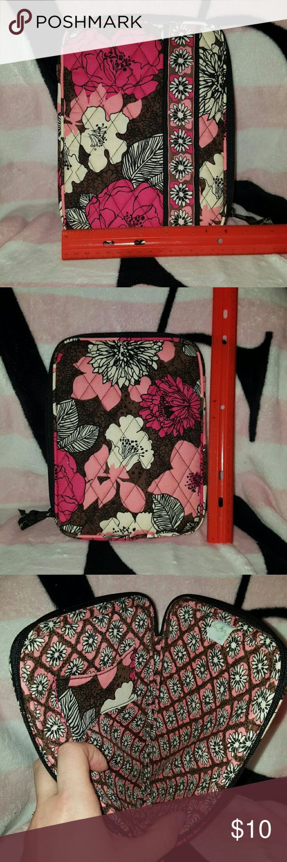 Vera Bradley tablet cover Used but never left the house Vera Bradley Accessories Laptop Cases