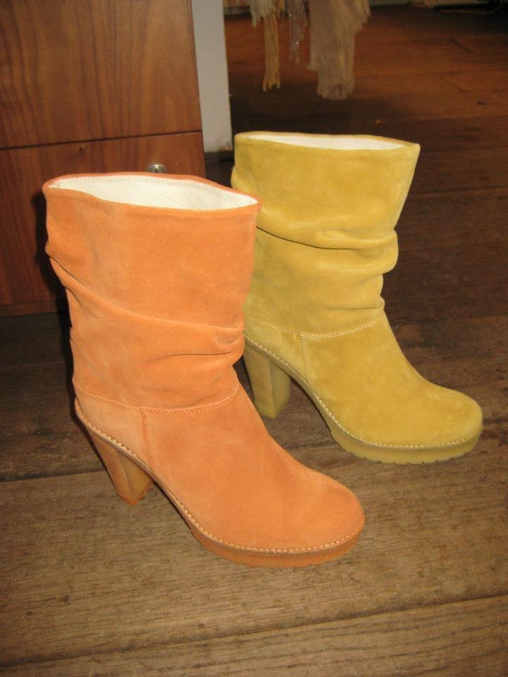 Mocht het toch te koud zijn met Koninginnedag voor open schoenen, dan kun je altijd nog kiezen voor een oranje enkellaars!