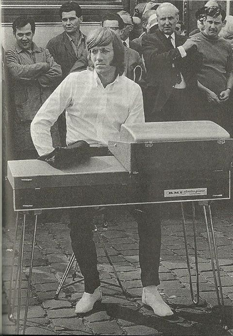 The Doors lacked a bassist, so Manzarek usually played the bass parts on a Fender Rhodes piano. His signature sound is that of the Vox Continental combo organ, an instrument used by many other psychedelic rock bands of the era. He later used a Gibson G-101 Kalamazoo combo organ (which looks like a Farfisa) because the Continental's plastic keys frequently broke, according to Manzarek.