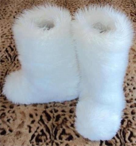 .Need these in pink & white ((:
