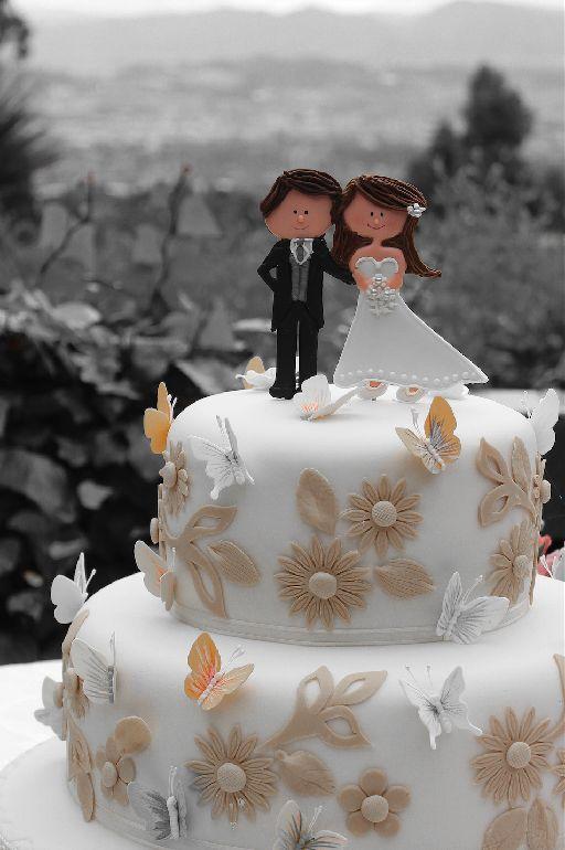 Cute wedding cake #ColombianWedding #Bogotá #CdPWeddingPhotography