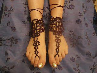 вязаные аксесуары: украшения для ног
