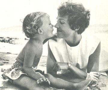 Julie Andrews with her daughter #gotitfrommymama
