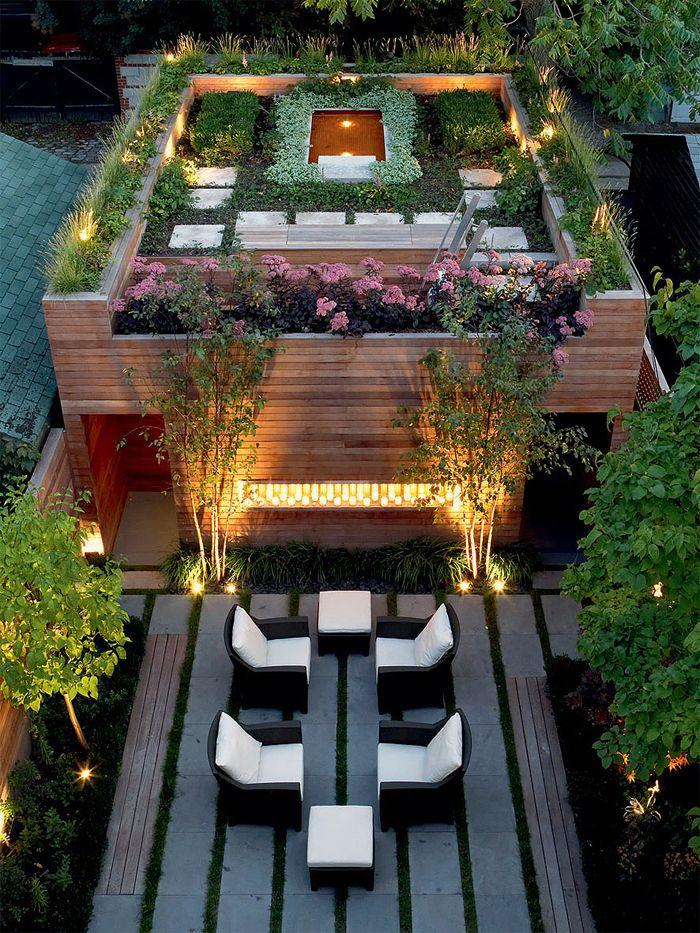 Красивый сад и пруд на крыше частной резиденции в Торонто, Канада