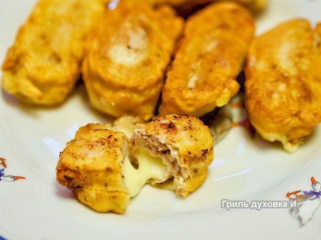 Рулетики из свиной вырезки в нежнейшем кляре с начинкой из сыра моцарелла. Быстро готовить, очень сочные и вкусные рулетики. Пошаговый рецепт