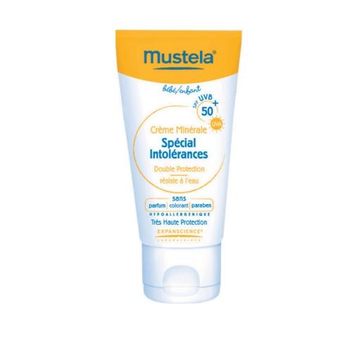Mustela Mustela crema especial intoler spf50 x 50ml Asegurar la protección óptima de la superficie del sol con un espectro extra-ancha (IR / largo y corto UVA / UVB), con filtros solares minerales (dióxido de titanio y óxido de zinc).