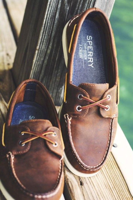 Simple and cool boat shoes outfit for mens 09