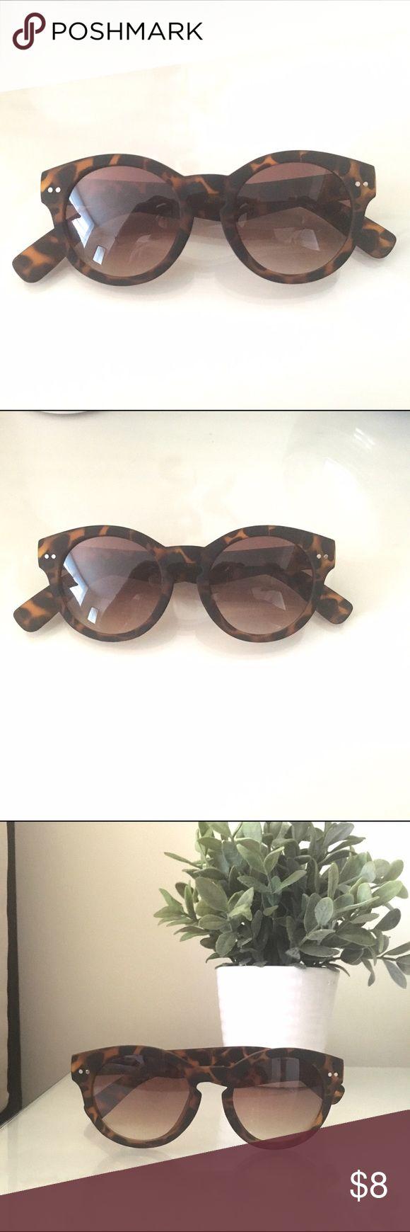 Women's sunglasses! Tortoise shell sunglasses with a soft matte finish. Accessories Sunglasses
