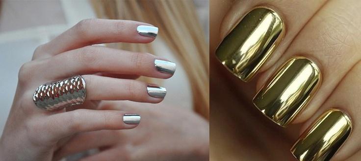 Bu yılın modası altın ve gümüş takma tırnaklar :)
