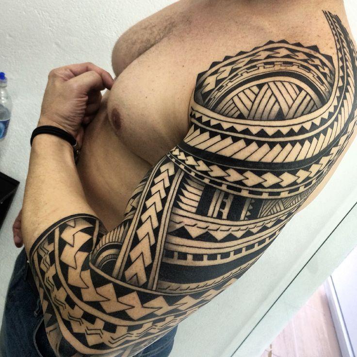 Tattoo maori polinesian