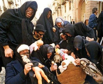 Il carnevale di Bosa - http://www.scuolamediatola.it/