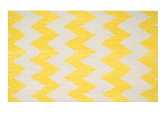yellow chevron rug. I die!