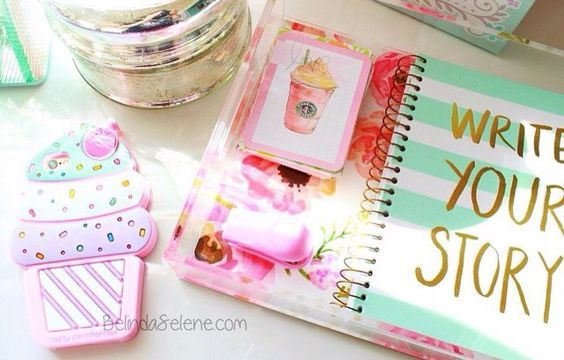 Girly Planner | DIY Tumblr Inspired School Supplies for Teens that will spice up your school day!