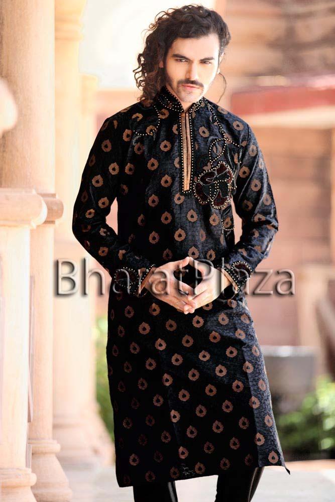 Unique Look Engagement Kurta Pyjama. Item code: SKB9874…