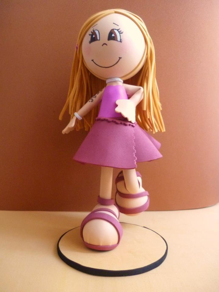 Bonequinha em Eva personalizada