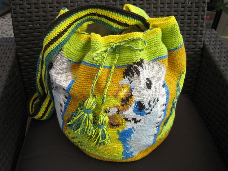 hæklet taske, med undulater hele vejen rundt