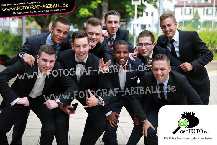 Hallo Jungs, zeigt mal Eure verrückte Seite - richtig, weiter so :-) www.Fotograf-Abiball.de