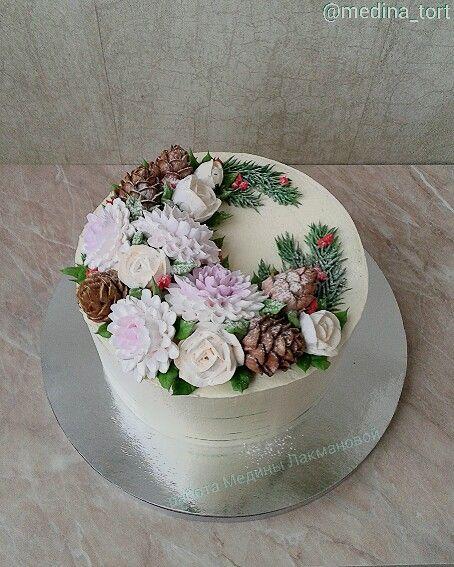 Кремовый торт - Новогодний; в инстаграмме  @ medina_tort