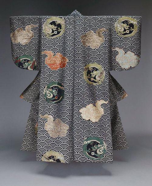 Kimono (atsuita or Noh theater robe for male role) Origin: Japan Date: 19th century Medium: Silk 2/1 twill ground patterned with silk and gilt paper Location: Museum of Fine Arts, Boston