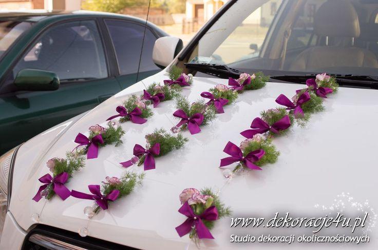 Dekoracja samochodu w kolorze fioletu
