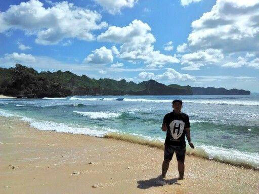 Pantai Srau spot 1, Pacitan Jawa Timur #travelerdadakan #indonesia #TDI #explorepacitan