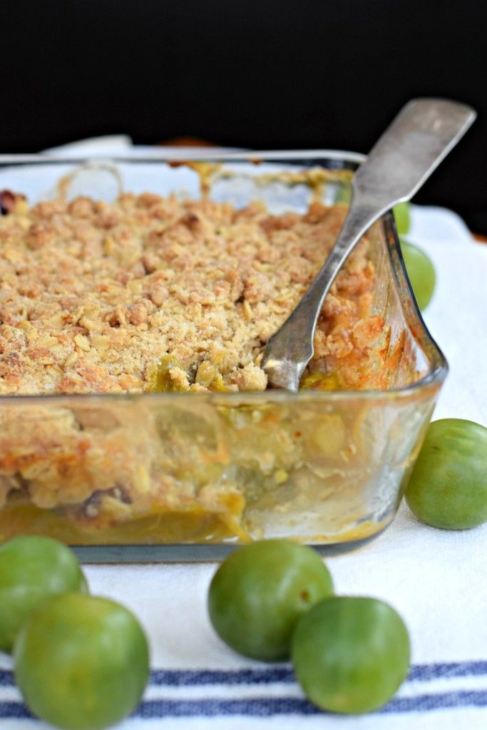 Greengage plum crumble: a quick and easy recipe for a classic fruit dessert. Try it with exotic greengage plums from New Zealand.