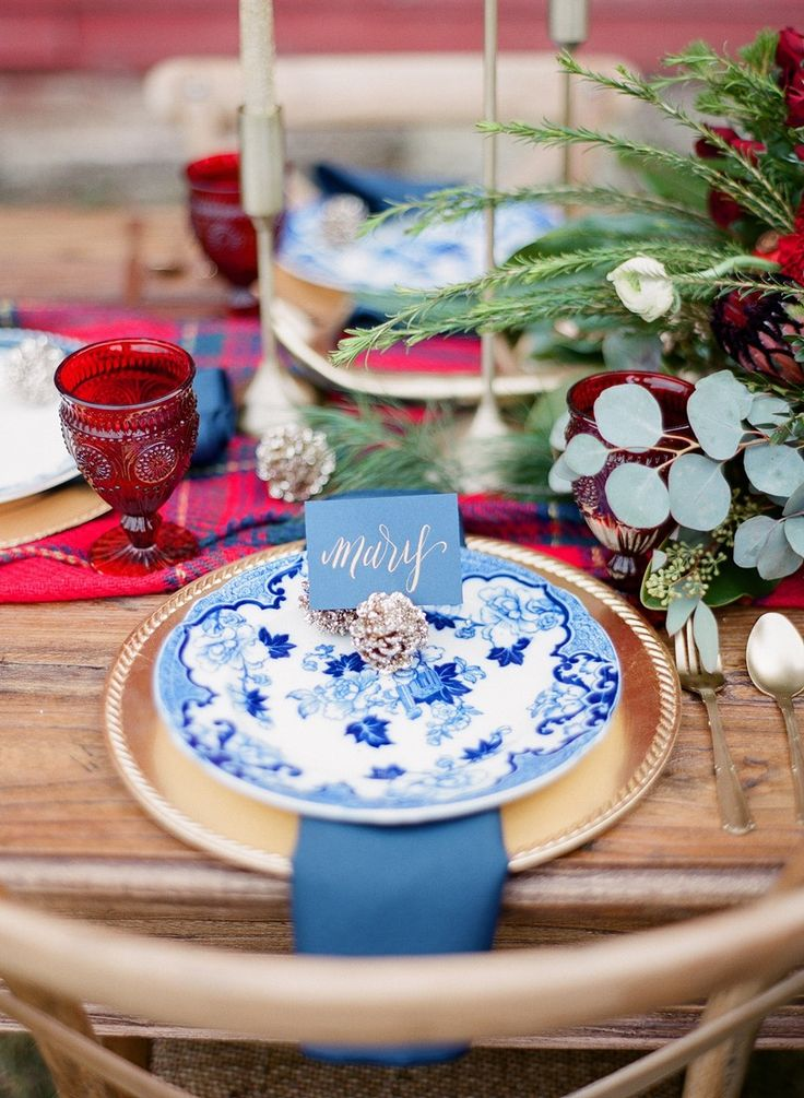 Beautiful Winter Wedding Place Setting Photography by Shannon Duggan  Photography